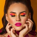 "Akcia s ambassador @janahrmi je v plnom prúde. Utekaj na náš web a nenechaj si ujsť extra nákupy za extra ceny a sety vyskladané Jankou. www.stayunique.sk // .cz⠀ ⠀ Ešte raz LOOK 2 ""Neon Barbie"" �Ako sa Ti páči ?⠀ ⠀ ❣PLEŤ�⠀ Bodyography Foundation Primer Hydrating⠀ Wunder2 last & Foundation 20 Sand�Wudner2 Last & Foundation Concealer 10 Light⠀ Bodyography Blur, Set Finish Powder�Revolution pro Sculpting Bronzer⠀ EX1 Blusher – Natural Flush�Makeup Addiction Holy Glow Vol. 1⠀ ⠀ ❣OBOČIE�⠀ Nabla Brow Pot - Neptune⠀ ⠀ ❣OČI⠀ Barry M WILDLIFE Palette – Pangolin�Wunder2 Super Stay Liquid Liner�Wunder2 Super Stay Liner – Glitter Pink⠀ Wunder2 WUNDEREXTENSIONS Curl Mascara�PLH Beauty She´s Sexy⠀ ⠀ ❣PERY⠀ Bodyography Lip Lava - Candy⠀ ⠀ ♥️Pre @stayunique_skcz⠀ Fotograf @jakubecmichal⠀ Modelka @janahrmi ⠀ Makeup @duffismakeup⠀ Vlasy @lalihorvath_⠀ Retuš @nikol.t.lokin⠀ ⠀ #stayuniqueskcz #akcia #janahrmi #neonbarbielook #neoneyes #motd💄 #makeup #wunder2cosmetics #nabla #bodyography #ex1cosmetics #barrym #veganbeauty #licenie #líčení"